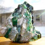 حجر الزمرد - الخصائص والألوان والأساطير بالصور