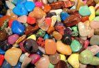 معرفة الأحجار الكريمة الطبيعية من المصنعة