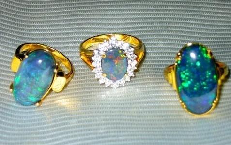 فوائد مجوهرات حجر الأوبال