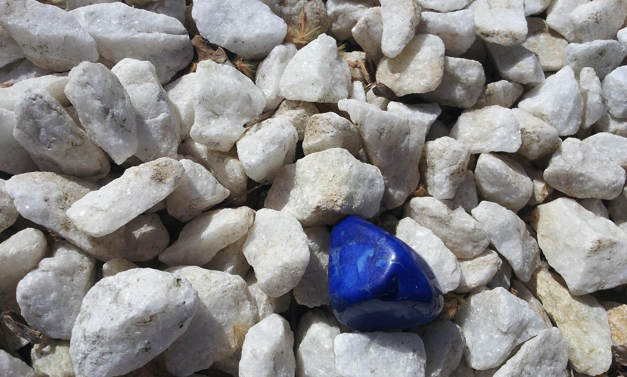 كيف يتكون حجر اللازورد بواسطة التحول الحراري