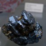 حجر الهيماتيت (الحديد الصيني) - الخصائص والإستخدامات والأساطير بالصور
