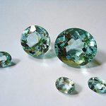حجر الأكوامارين - الخصائص والأنواع وسبب التسمية بالصور
