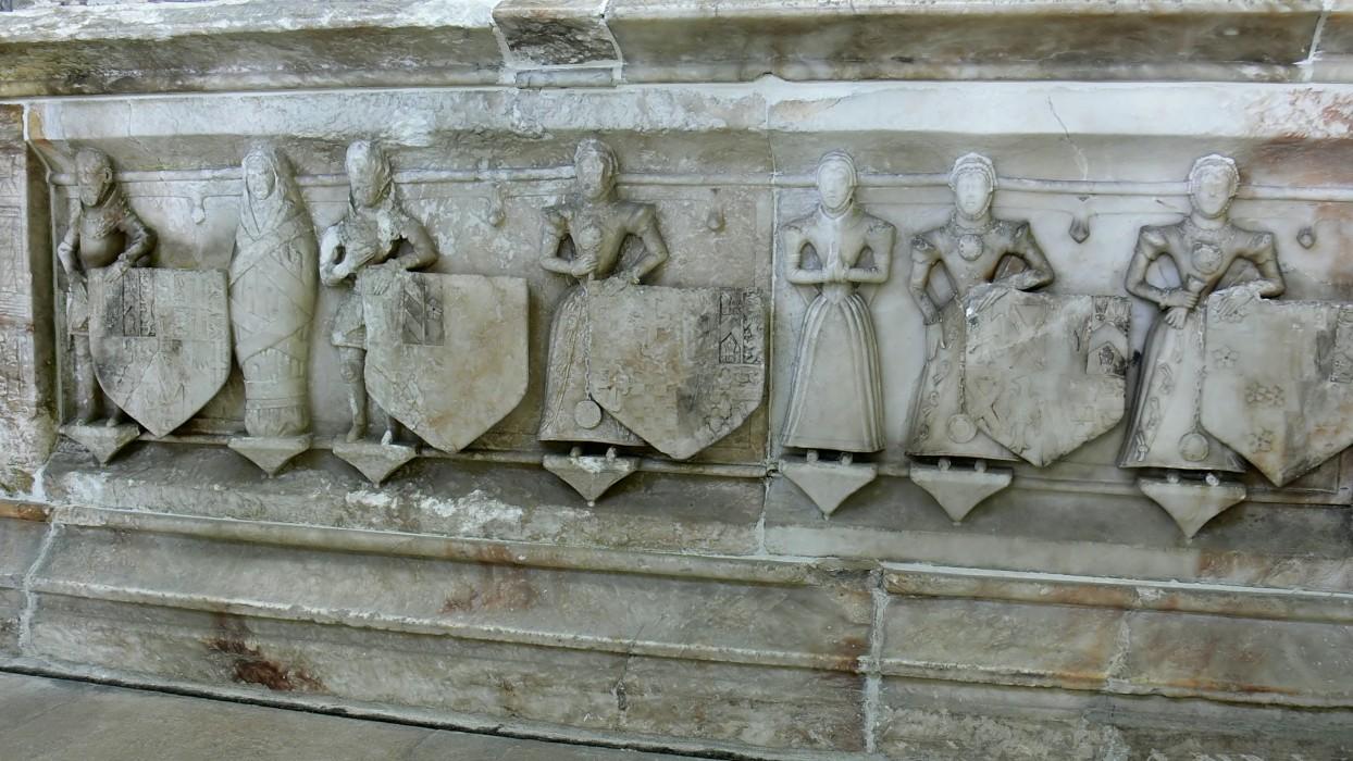 إستخدام حجر المرمر في صناعة التماثيل