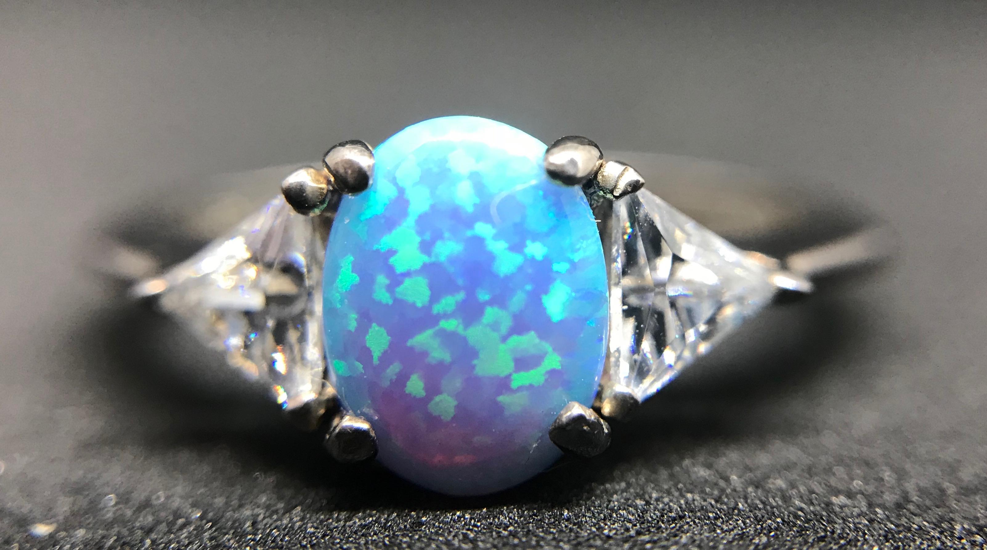 خاتم أوبال - كيف يتكون حجر الأوبال