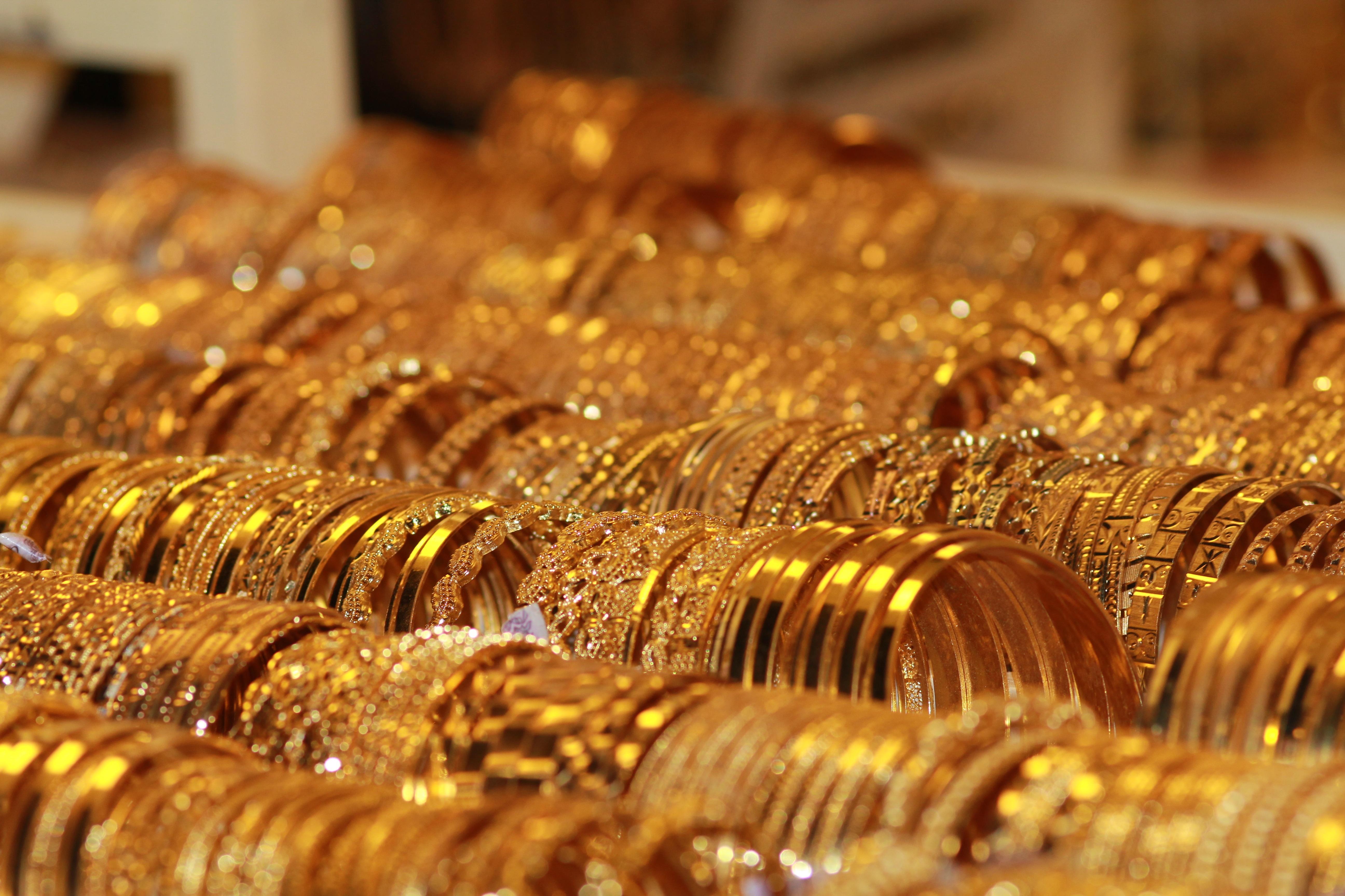 العوامل - ارتفاع اسعار الذهب