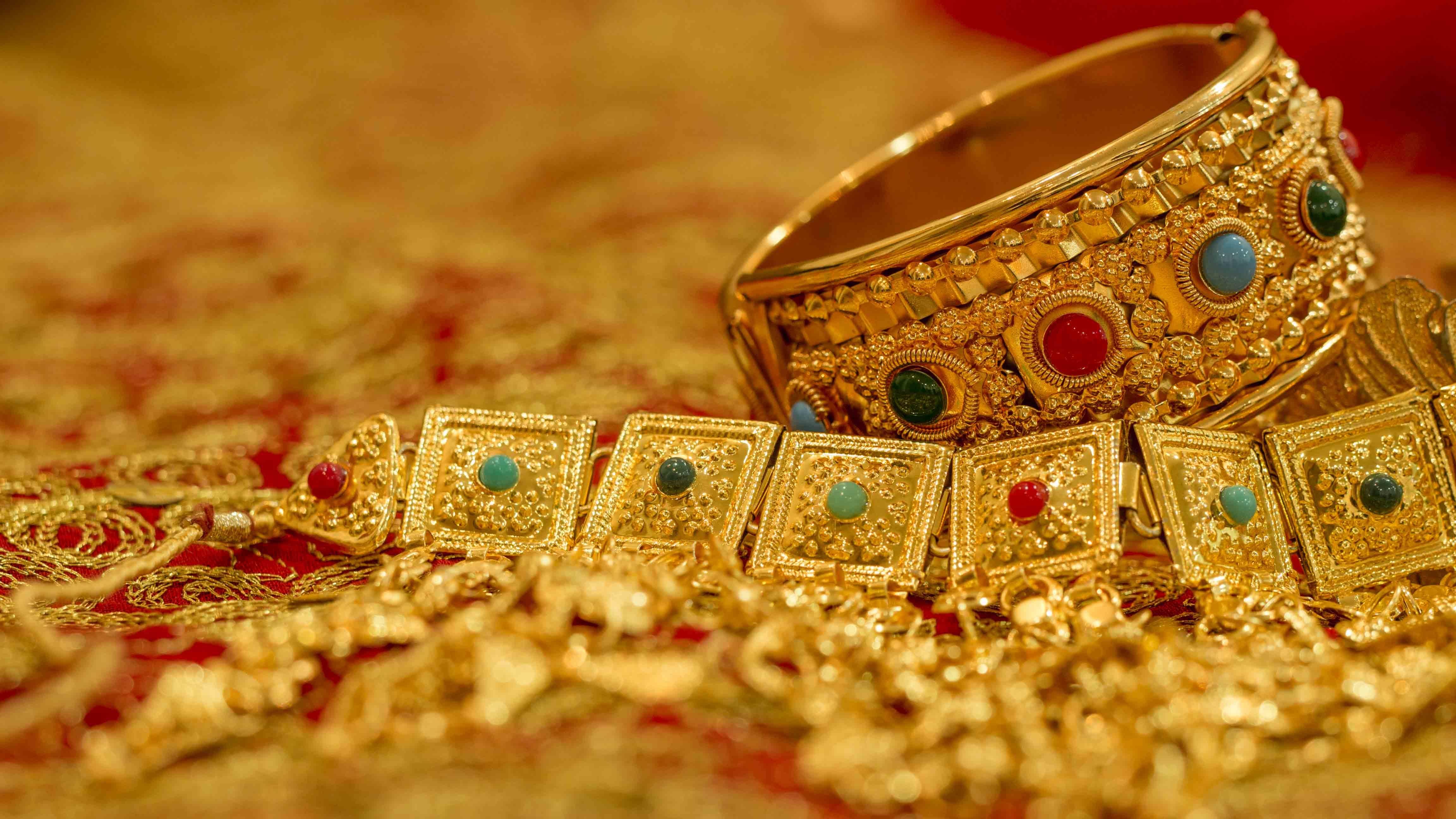 الأسباب - ارتفاع اسعار الذهب