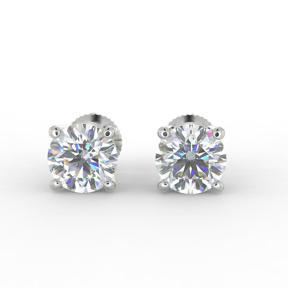 اقراط من حجر الماس