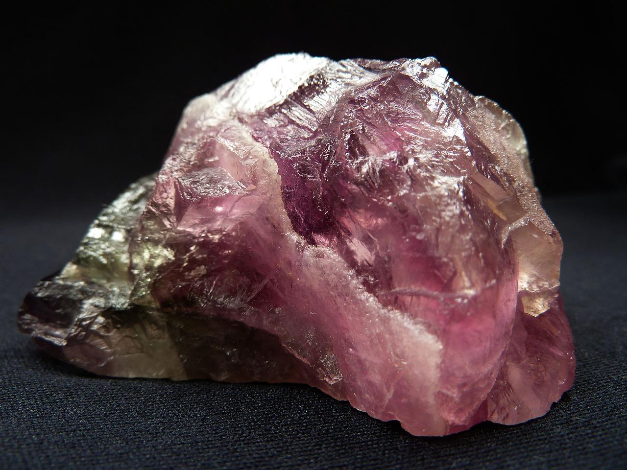 حجر الفلورايت الخام