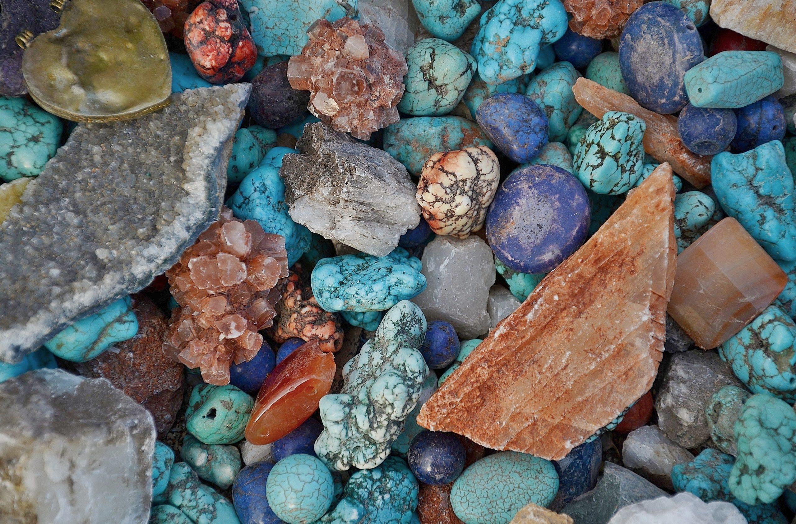 حجر الفيروز الأزرق