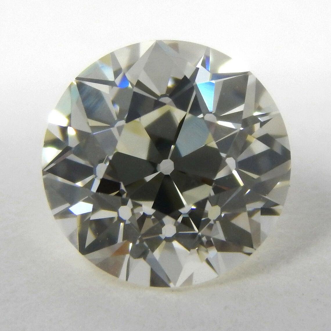 حقائق عن الماس