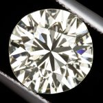 كيفية معرفة الماس الحقيقي من المزيف - 21 طريقة بسيطة ومتقدمة