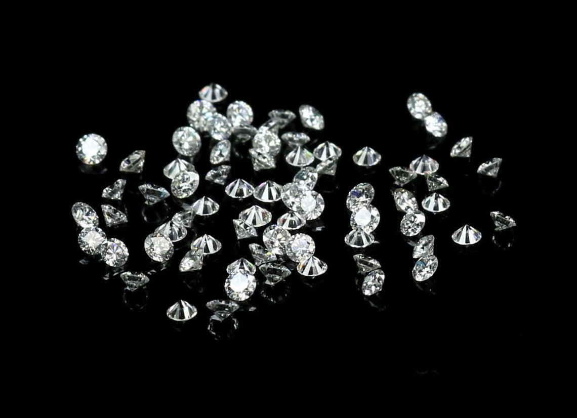 فحص أحجار الماس